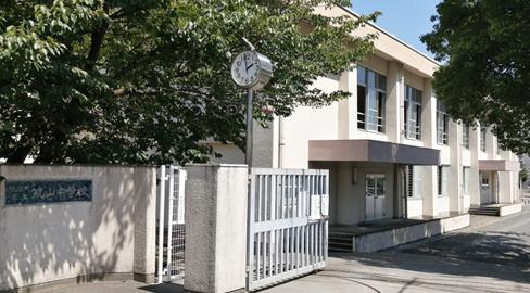 筑紫野市立筑山中学校